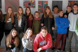 Un alumno de Barcelona reparte 10.000 euros de sus padres entre sus compañeros