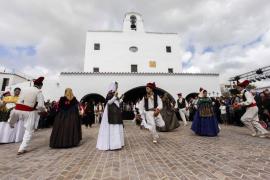 Trasmediterranea ofrece 8.000 plazas extras por las fiestas de Sant Joan