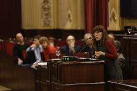 La brecha con Canarias en las ayudas al transporte indigna a los empresarios